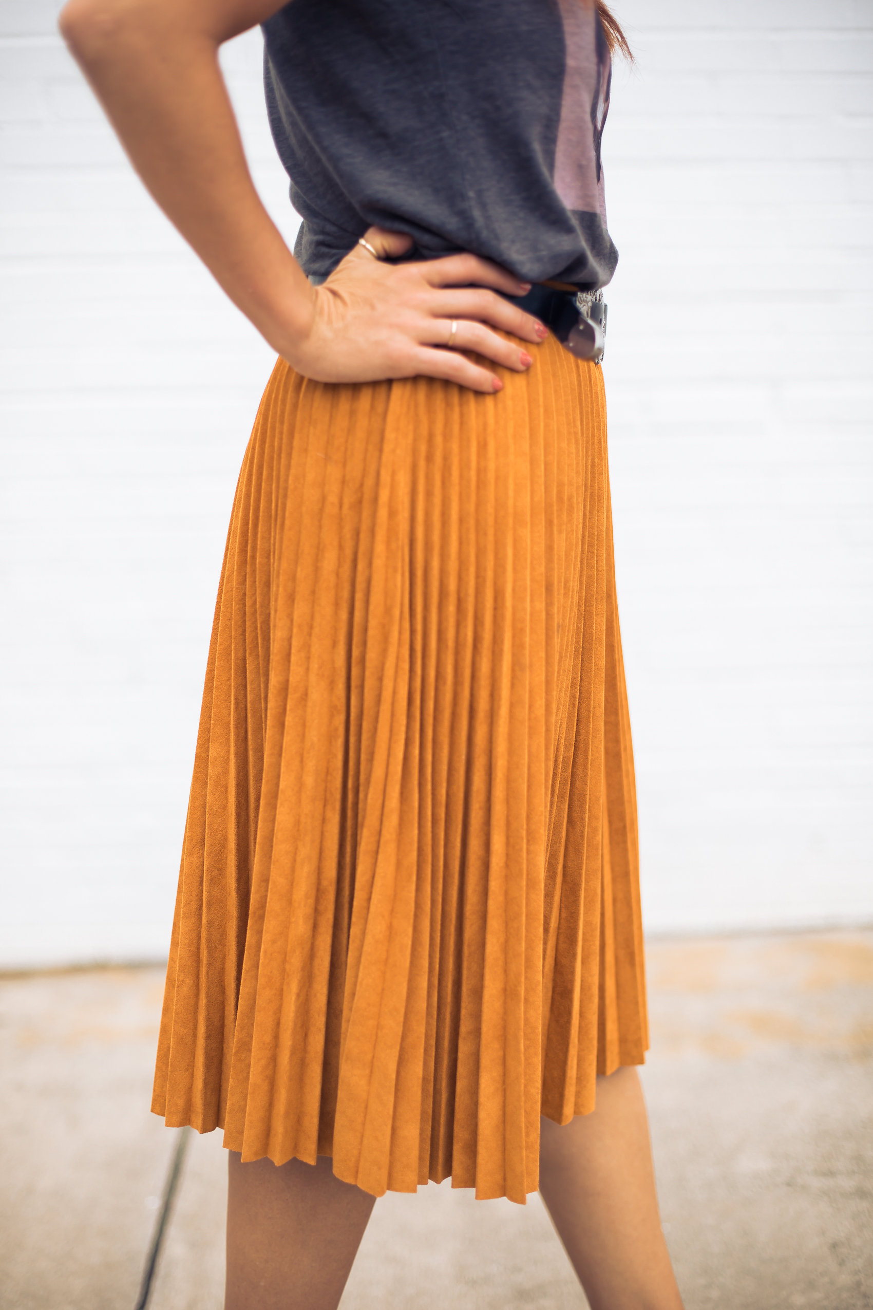 faux suede pleated skirt, vegan suede, fashionveggie